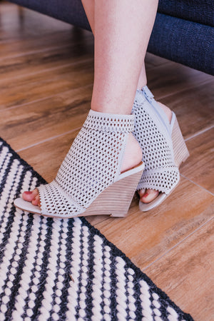 The Claire Wedge In Grey