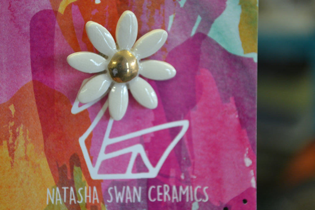 Porcelain and 18ct Gold Daisy