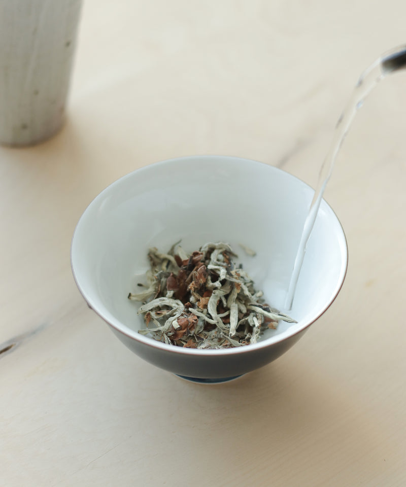 Tea Flower in Silver Needle 2019