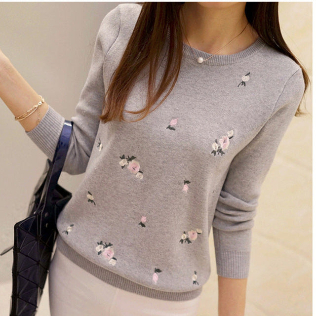 Women Embroidery Knitted Sweater