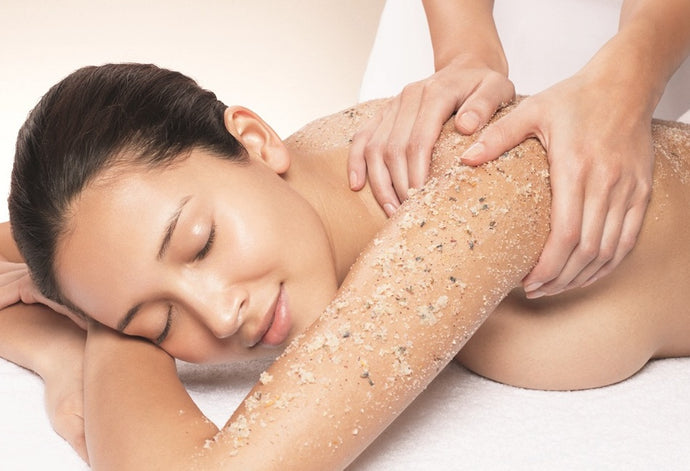 Summer Blog / Which exfoliation is best for you?