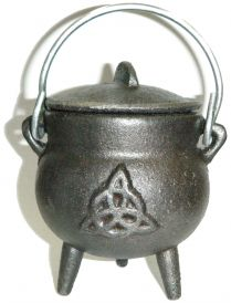 2.5 inch Cast Iron Cauldron with Lid, Charmed