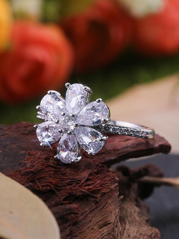 Ring with Snow Flower Drop Pear Shaped