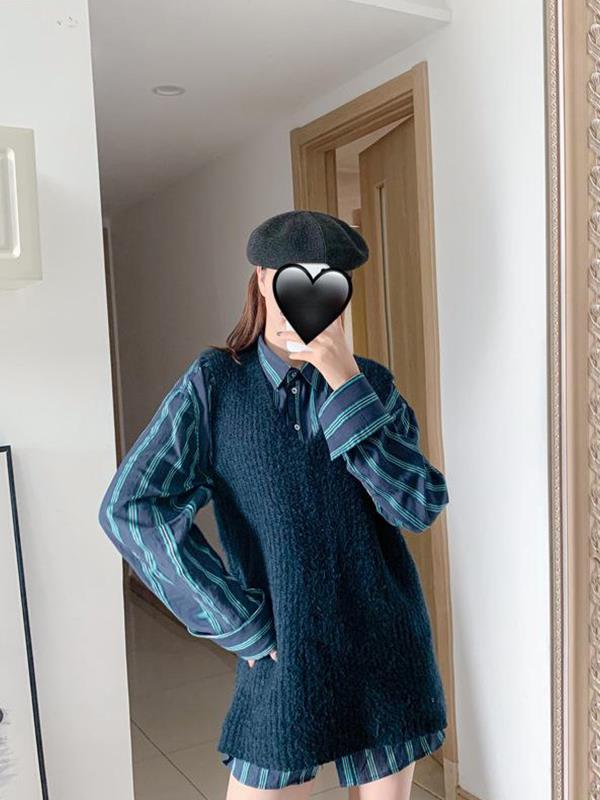 Loose V-neck Knitted Sleeveless Autumn Sweater