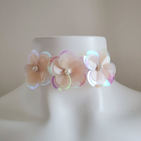 simple floral cute white iridescent elastic choker necklace jewelry for rave