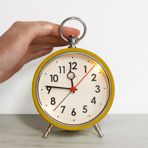 How to Use an Analog Alarm Clock