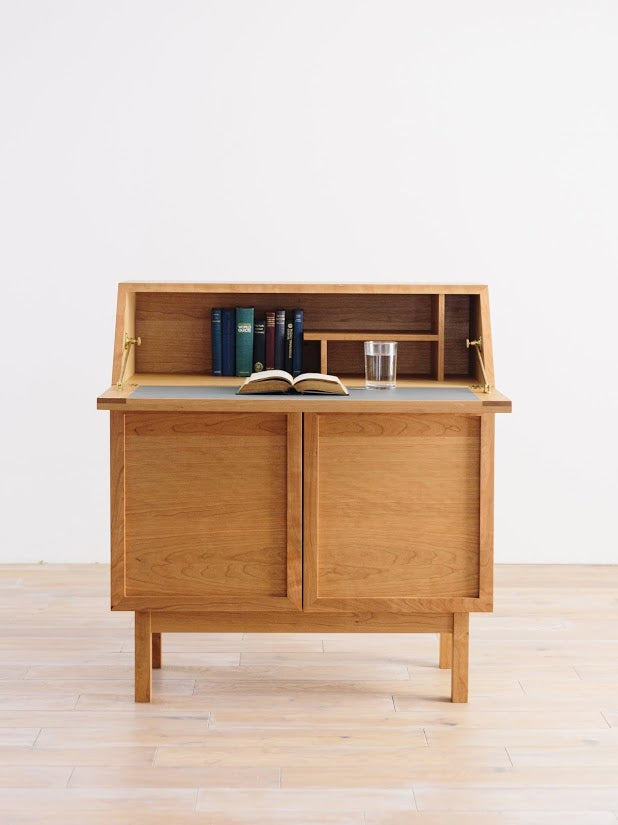 BLOCCO LIGHTING CHEST & DESK 084