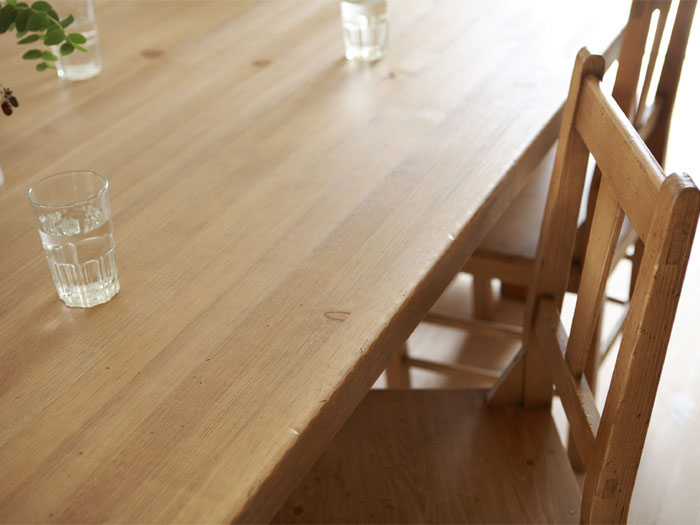 GALA DINING TABLE 210 CASTERS