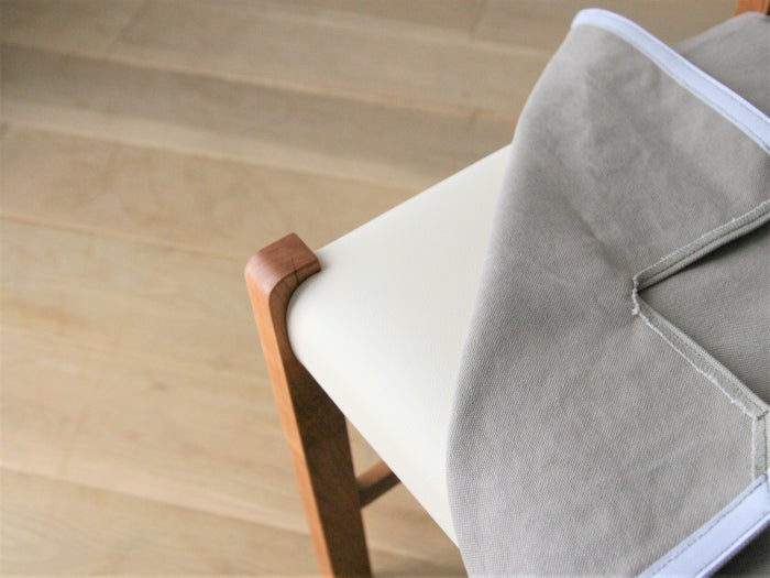 FREX SIDE CHAIR