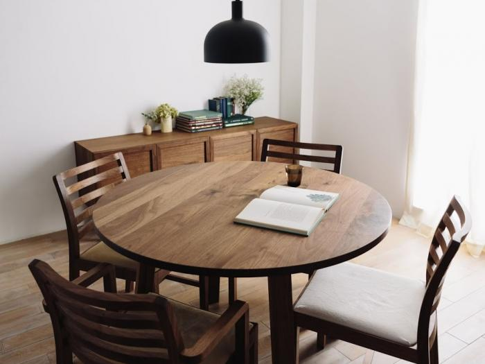 CORNICE CIRCLE DINING TABLE