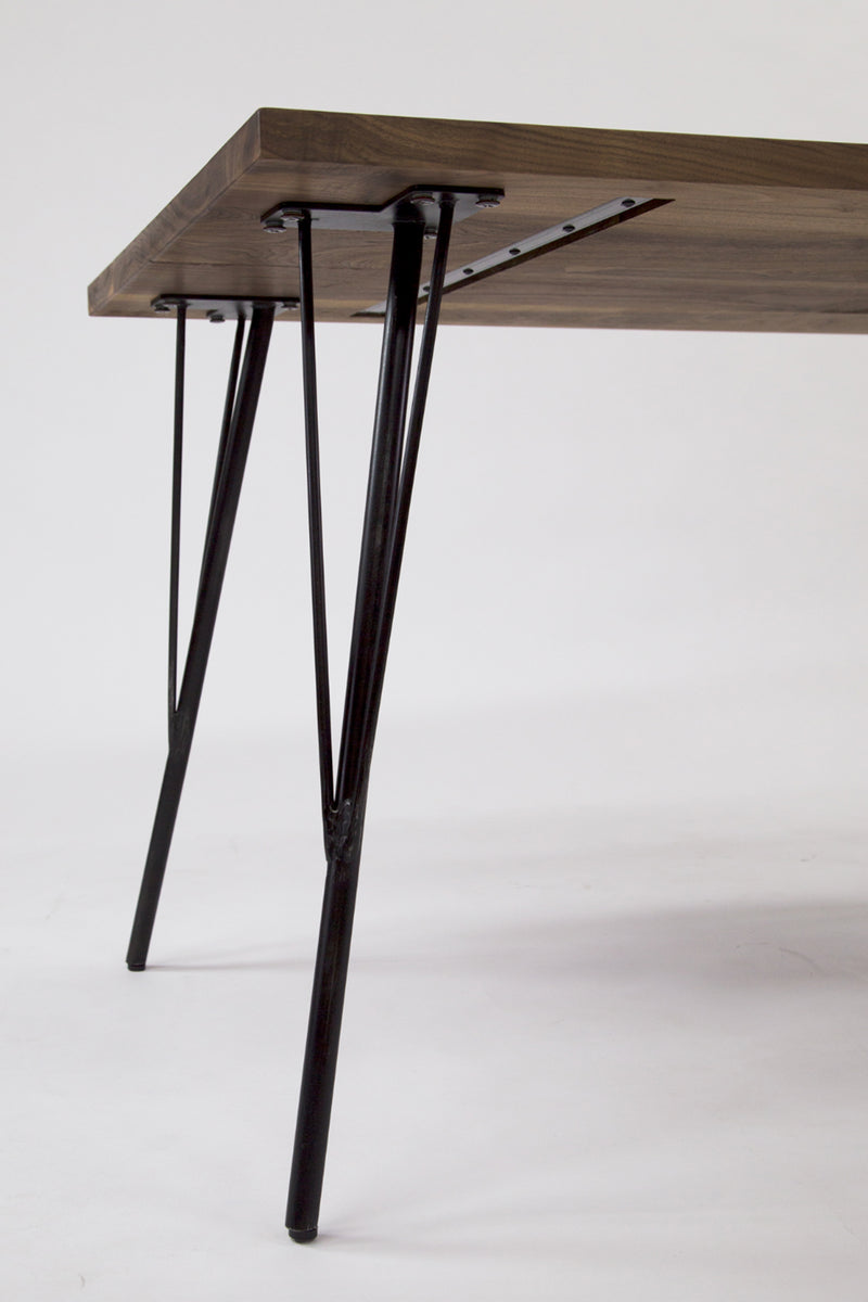 ZELDA DINING TABLE WALNUT