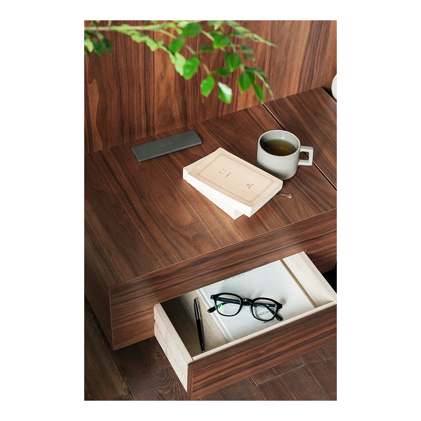THE WOOD BED NIGHT TABLE B
