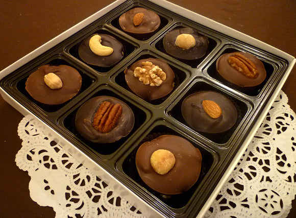 9 piece Turtle Bites - Chocolate Caramel Nut Candy - Assorted Chocolates (Milk and Dark)