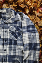 Load image into Gallery viewer, STJ Flannel Navy/White Size M