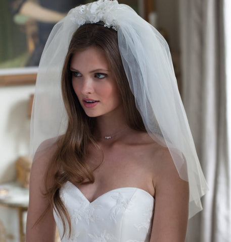 ways to wear a bridal veil
