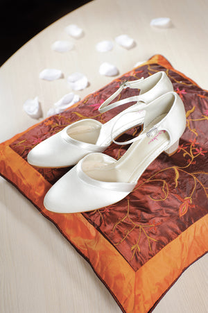 Wedding shoe - In White Shop
