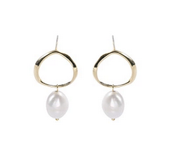Earrings silver circle with pearl pendant gold