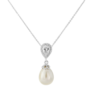Zirconia drop with pearl necklace