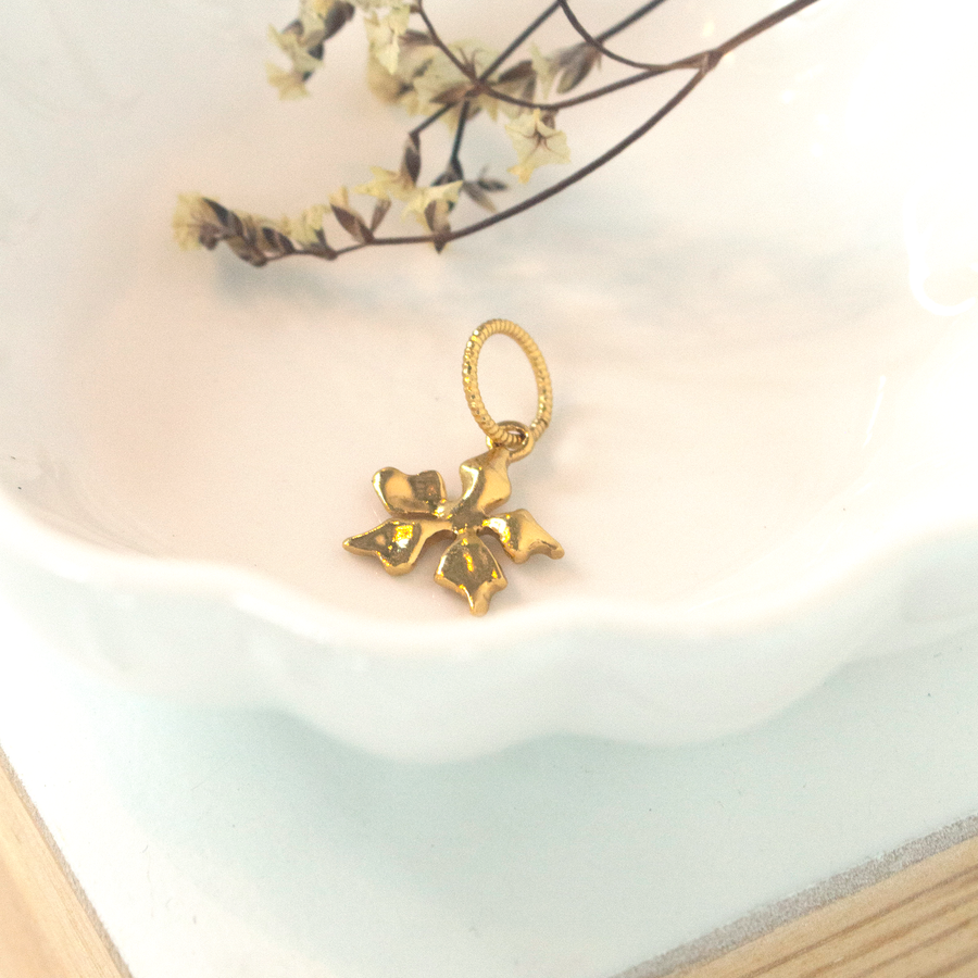 Re: loop necklace Gold