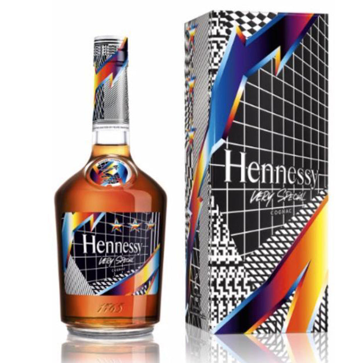 Hennessy V.S Limited Edition Pantone Cognac 750ml