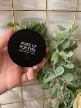 Load image into Gallery viewer, Make Up For Ever LOOSE POWDER 超高清無瑕蜜粉 4g - buy European skincare in Hong Kong - 1click2beauty