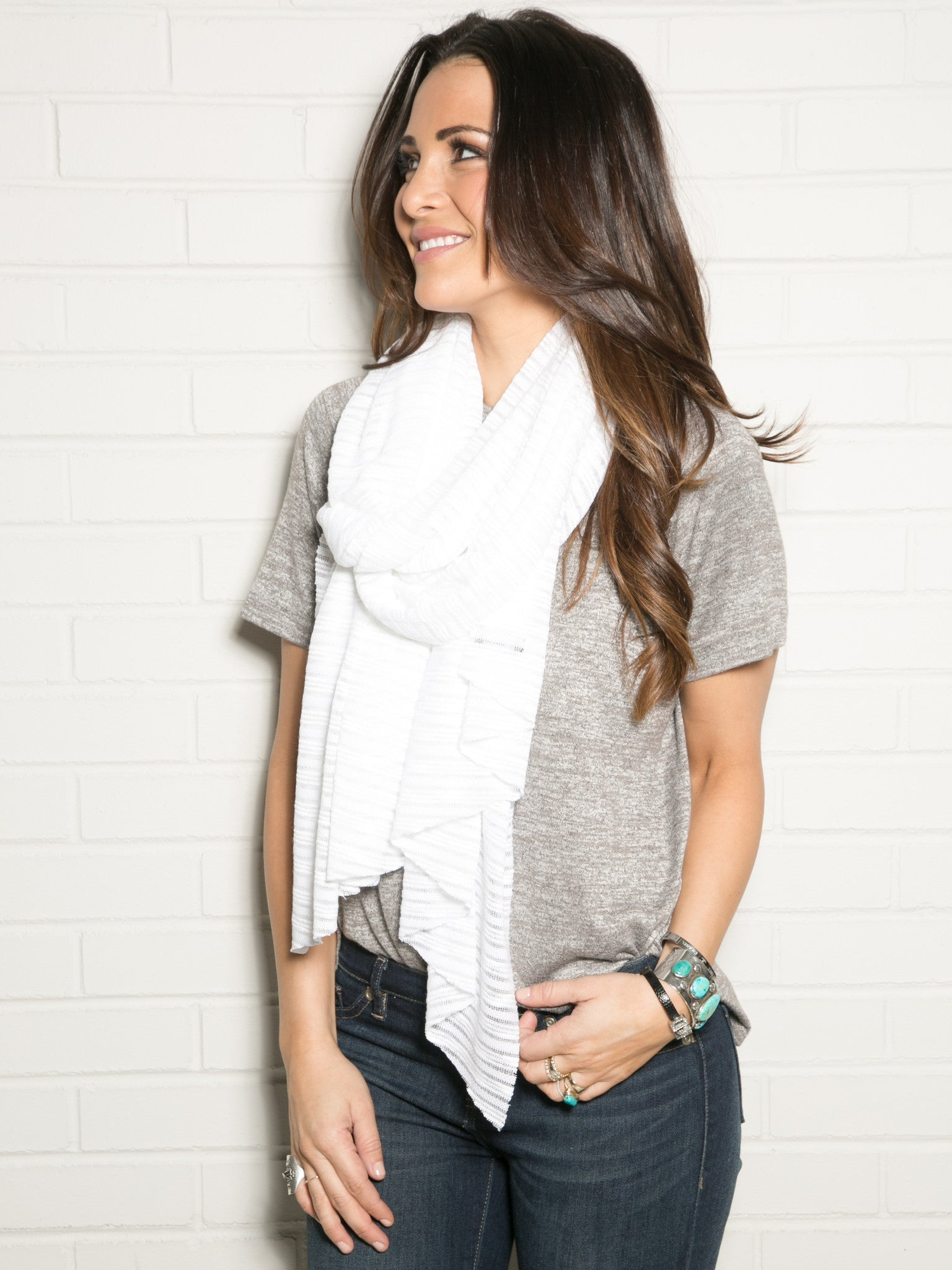 TEXTURED WHITE WRAP SCARF