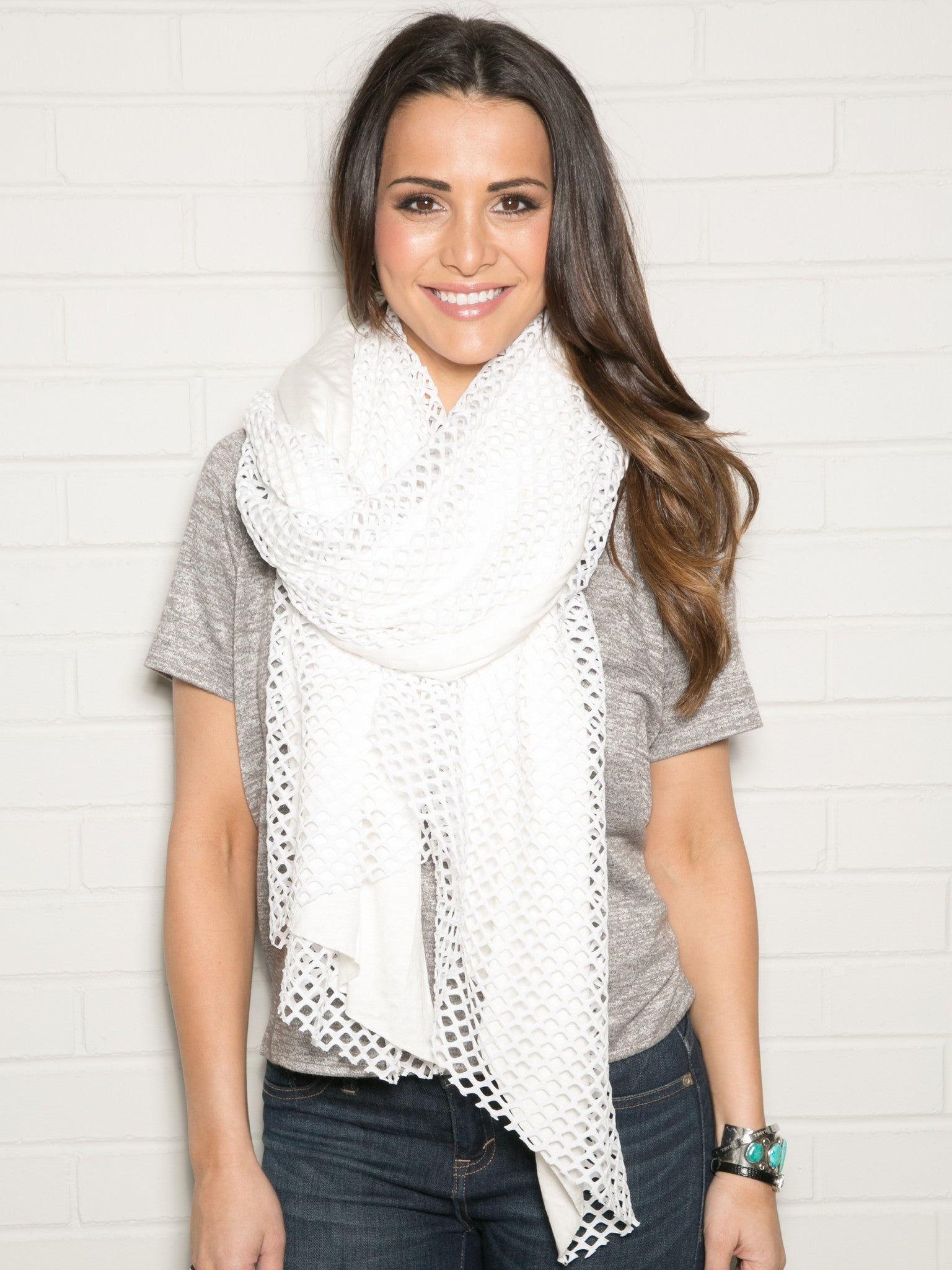 WHITE CUTOUT WRAP WITH JERSEY