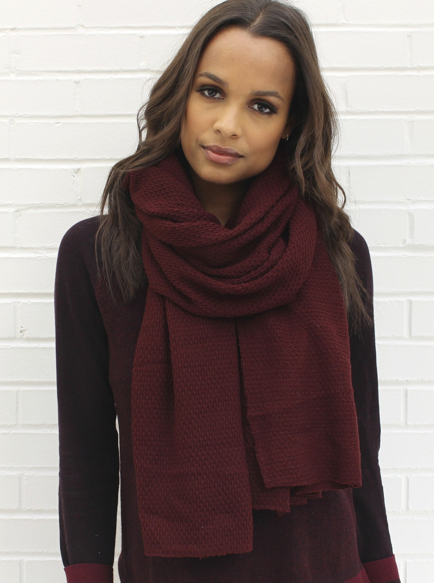 MAROON KNIT WRAP