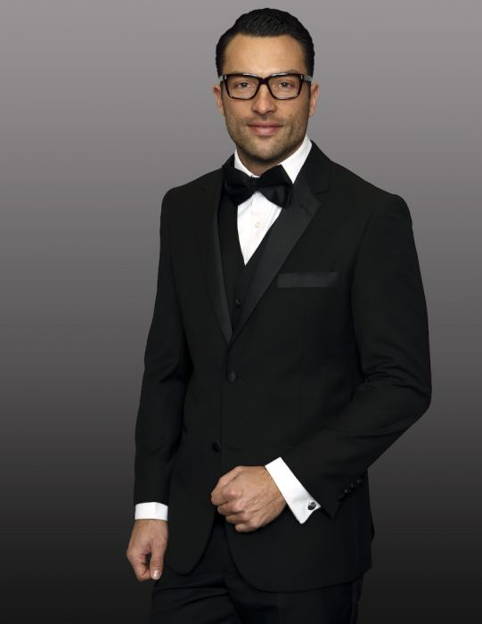 Statement Men's Black Tuxedo with Black Wide Lapel