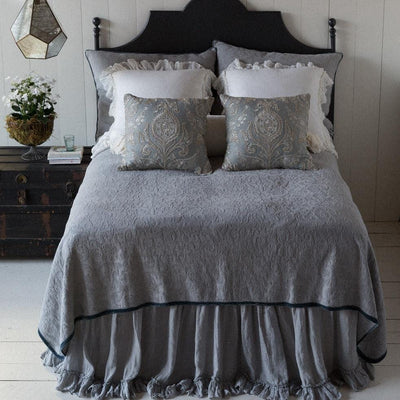 Bella Notte Linens Adele With Silk Velvet Piping Coverlet