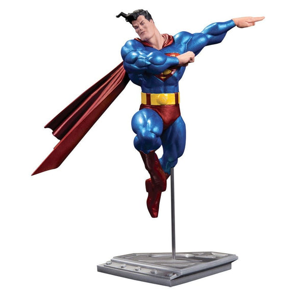 Estatua Superman DC Comics metalico versão Frank Miller