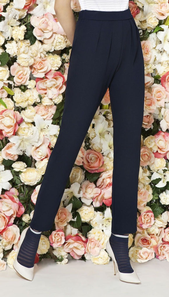 Omsa 3028 Story Leggings - Navy relaxed harem style pants with front pleats and elasticated waist at the back.