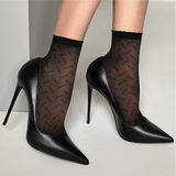 Omsa 3534 Leader Calzino - Sheer fashion ankle socks with a diagonal linear pattern. Available in black, and nude.