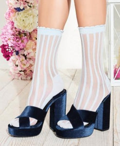Trasparenze Lotus Calzino - sheer fashion ankle socks with vertical stripes, available in white, blue and peach