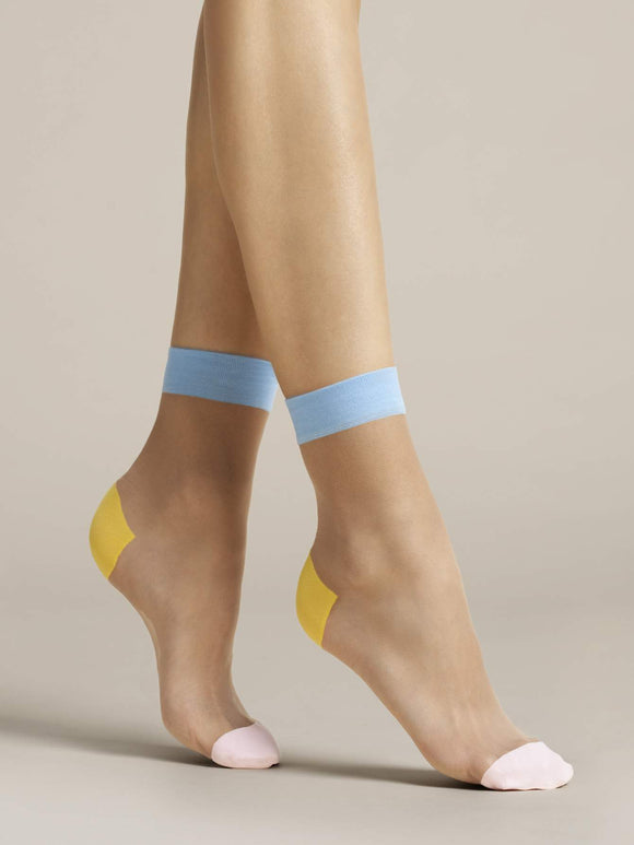 Fiore G 1077 Tricolore Sock - Sheer nude fashion ankle socks with a light blue cuff, yellow heel and light pink toe.