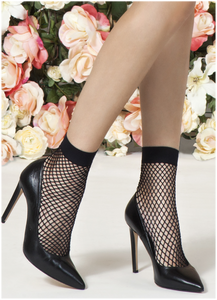 Omsa 3592 Spin Calzino - Fishnet ankle socks with plain opaque toe and cuff. Available in black and nude.