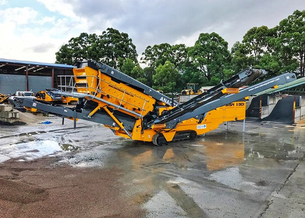 Triple Deck Screening - Anaconda SR514 Mobile Scalping Screener Machine - Tricon Equipment Australia