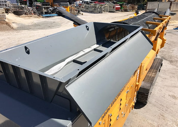 Trommel Screen Conveyor - Anaconda TD516 Tracked Trommel Screening Machine - Tricon Equipment Australia