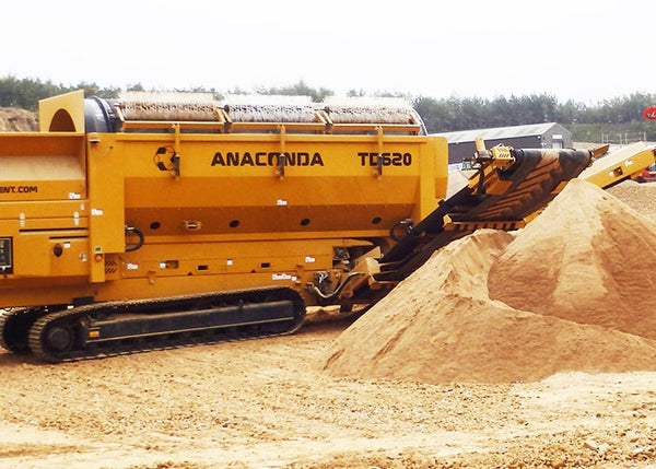 Trommel Stockpiling - Anaconda TD620 Tracked Trommel Screening Machine - Tricon Equipment Australia