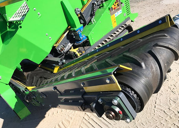 Two Deck Scalping Screener Conveyor - Terex EvoQuip Harrier 220 Double Deck Scalping and Screener Machine - Tricon Equipment Australia