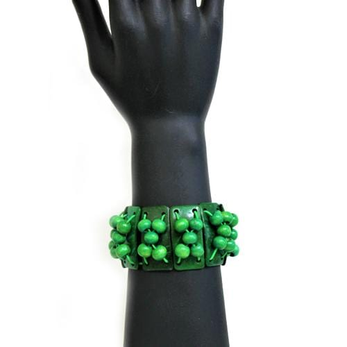 B0199 | Stretchy Green Shell Bar and Beads Bracelet.