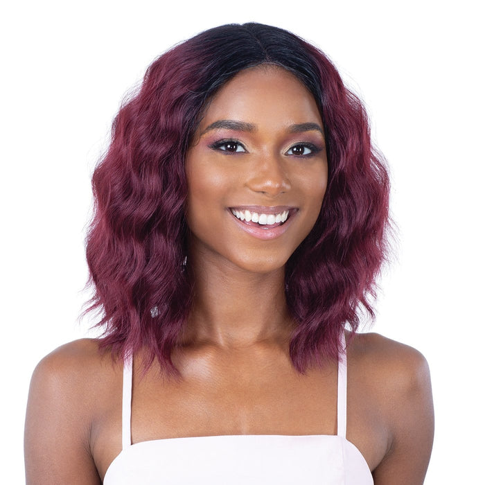 LITE LACE 002 | Lace Front Wig - Hair to Beauty | Color Shown: OT530