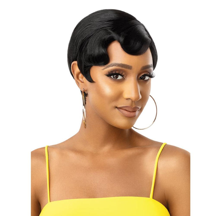 TRISHA | The Daily Synthetic Lace Part Wig.