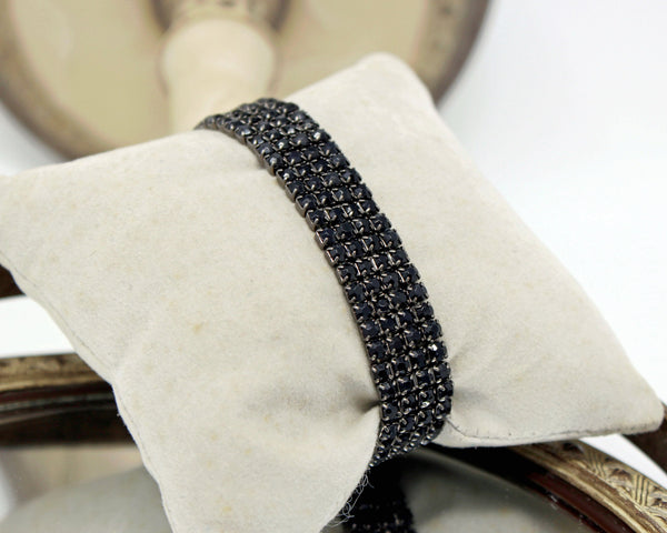 Stretch Bracelet with Tiny Black Stones