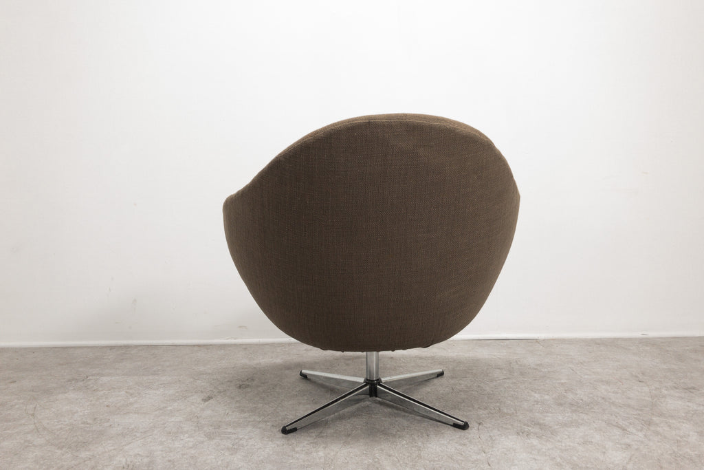 Overman Sweden Egg Chair