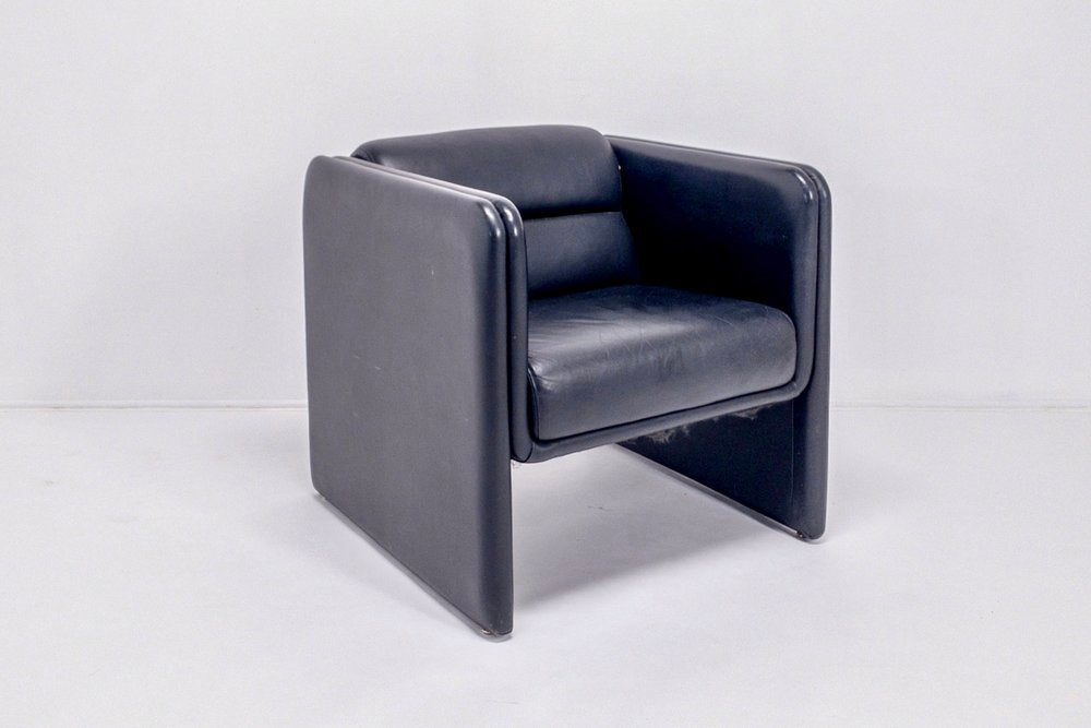 Mod Club Chair