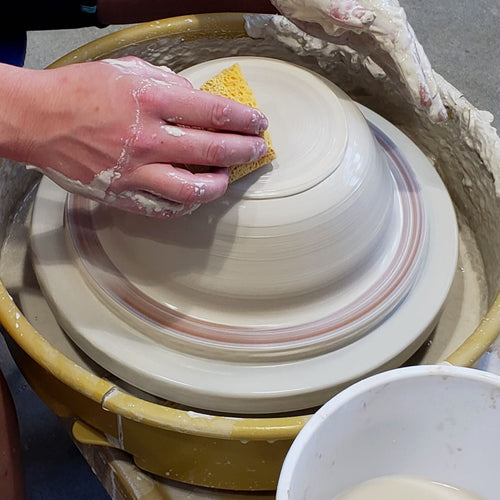 WEEKDAY POTTERY CLASSES: Wheel Throwing & Hand Building(All Levels)