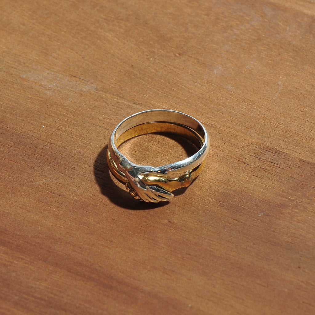 HRM 0901 R1B Peace Hand Ring