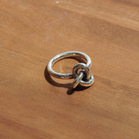 HRM 1811 R1S Gordian Knot Ring