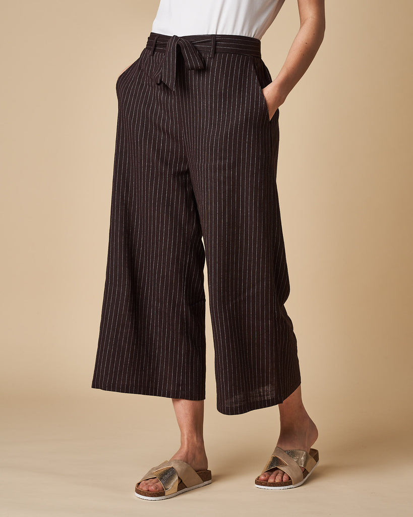 3/4 Elastic Waist Pant - Black Thin Stripes